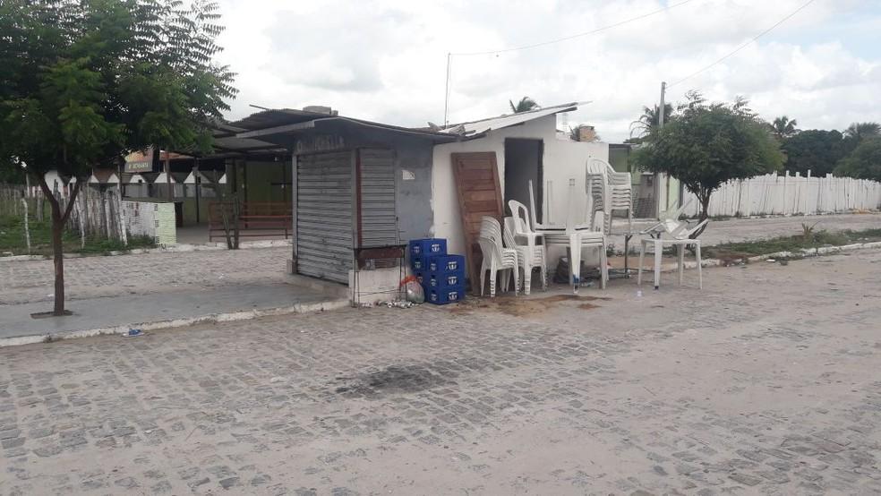 Sargente da reserva e amigo estavam em cigarreira, em São Gonçalo do Amarante, onde foram executados (Foto: Heloisa Guimarães/Inter TV Cabugi)