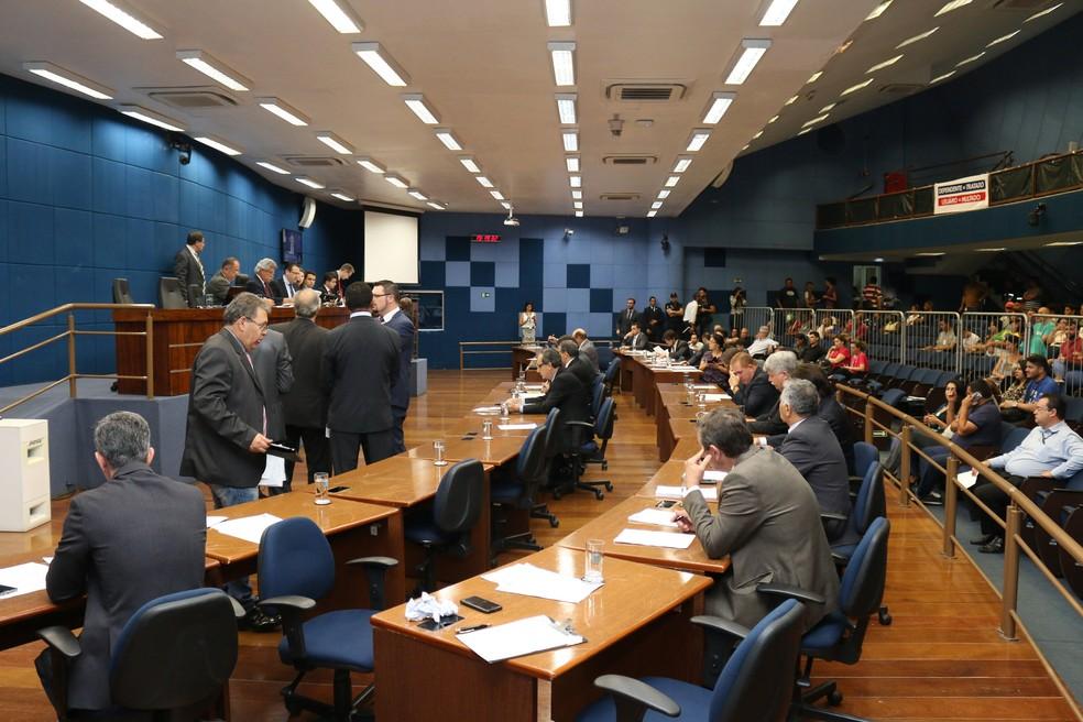 Vereadores de Campinas (SP) aprovaram o projeto 90/2017 em 1ª votação nesta segunda (25) (Foto: Câmara de Campinas)