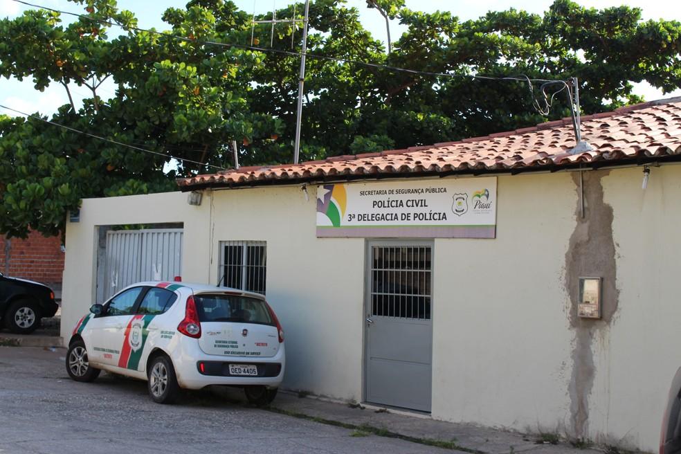 -  Sede do 3º Distrito Policial no bairro São Pedro, em Teresina  Foto: Ellyo Teixeira/G1