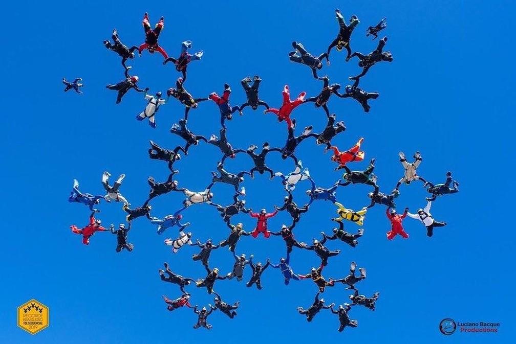 Atletas batem recorde brasileiro de paraquedismo em Boituva — Foto: Arquivo pessoal/David Rodrigues