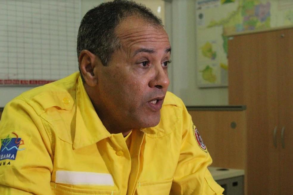 Hélio Moreira, coordenador do PrevFogo, diz que brigadistas federais já estão sendo contratados.  — Foto: Mayara Subtil/G1