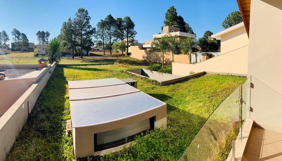 Terraço verde ajuda a regular a temperatura da casa em dias de calos intenso — Foto: Cassiano Zaparoli/Arquivo pessoal