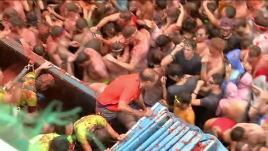 Espanha faz festival Tomatina com segurança reforçada