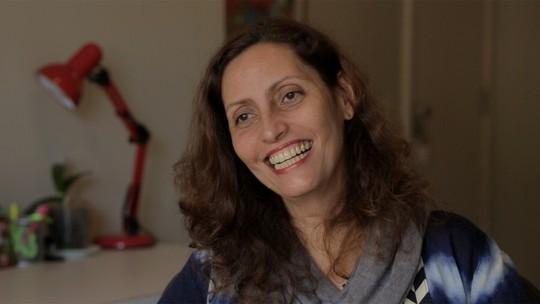 Claudia Souto comenta relação de Eric e Bebeth em 'Pega Pega': 'Uma ligação que está emocionando'