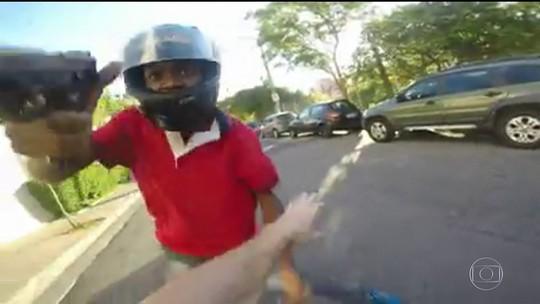 Polícia analisa vídeos para identificar ladrões de motos e bicicletas