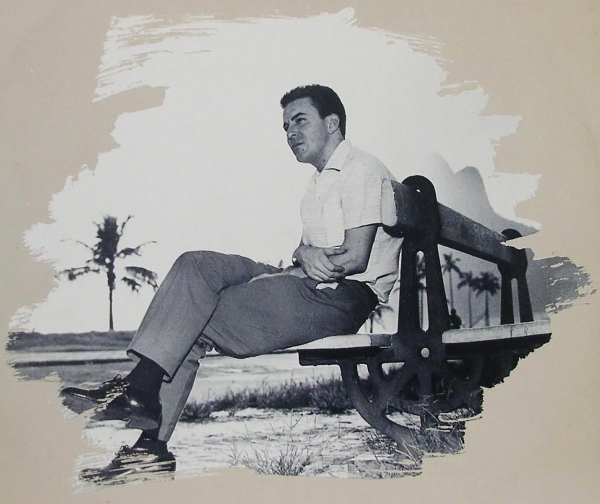 João Gilberto, eternizado pela bossa que nunca envelhece, tem os 90 anos celebrados em álbum coletivo com gravações inéditas
