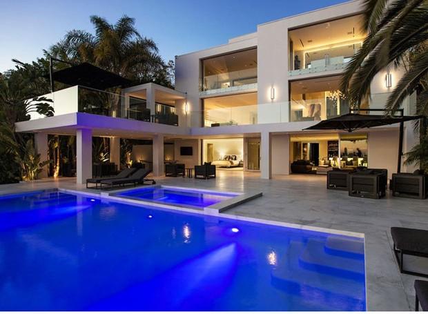 Nova casa do cantor Justin Bieber, em Los Angeles (Foto: Reprodução)