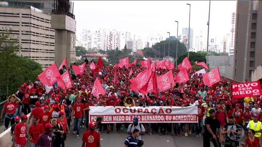 MTST faz passeata em São Paulo pela desapropriação de terreno
