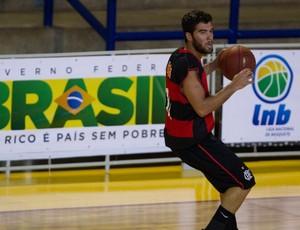 Gegê comanda time, Flamengo bate o Limeira e vai às quartas da LDB