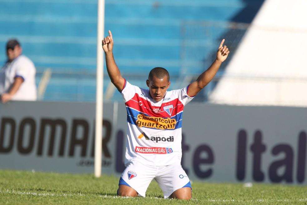 992746be578bc ... Edinho deixou o Fortaleza ao final da Série C de 2014 — Foto  Normando  Sóracles