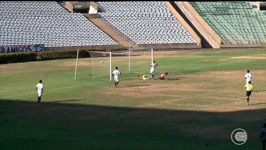 """Insatisfeito com derrota, técnico do River-PI dispara: """"Não tivemos competência"""""""