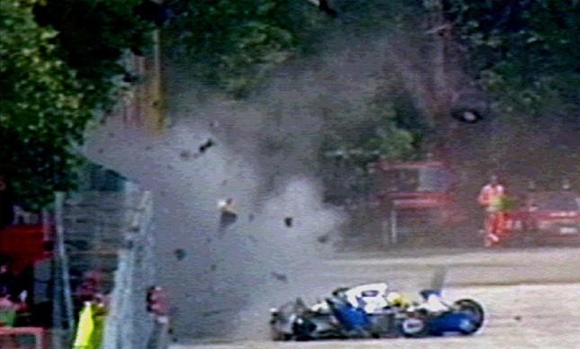 Imagem mostra momento do acidente de Senna no GP de San Marino, em 1 de maio de 1994