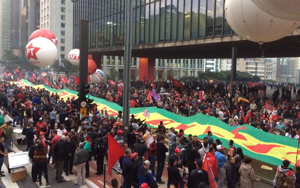 Manifestantes na Avenida Paulista (Foto: Glauco Araújo/G1)