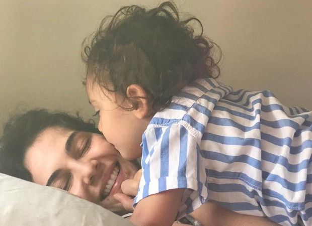Tainá Muller e o filho Martin (Foto: Reprodução/Instagram)