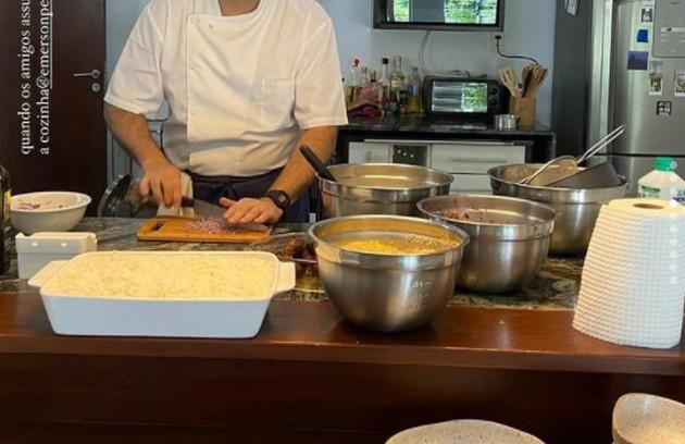 Cozinha da casa  (Foto: Reprodução)