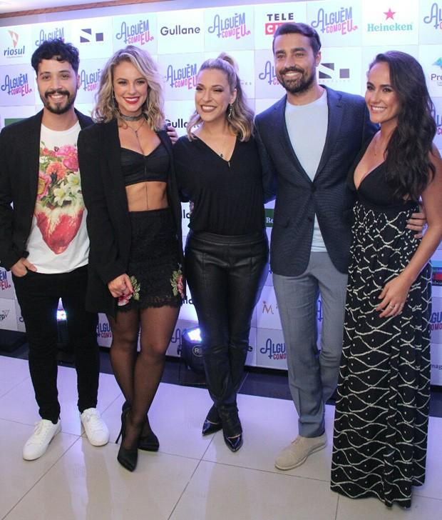 Arlindo Lopes, Paolla Oliveira, Júlia Rabello, Ricardo Pereira e Francisca Pinto (Foto: Wallace Barbosa/AgNews)