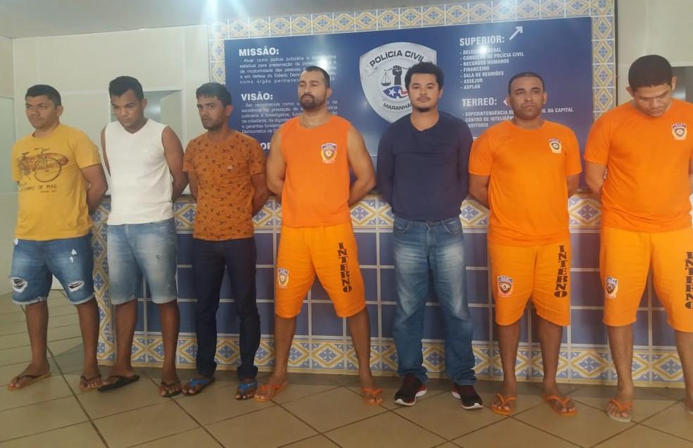 Presos apresentados pela Polícia Civil do Maranhão por golpes por meio de aplicativo — Foto: Alessandra Rodrigues / Rádio Mirante AM