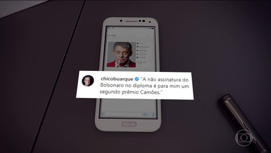 """""""É um segundo prêmio Camões"""", diz Chico Buarque sobre não assinatura de Bolsonaro"""