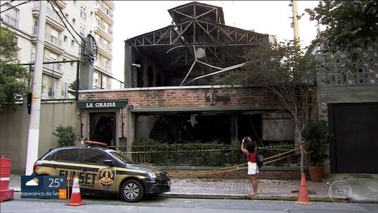 Câmera flagra homem incendiando restaurante italiano em Moema