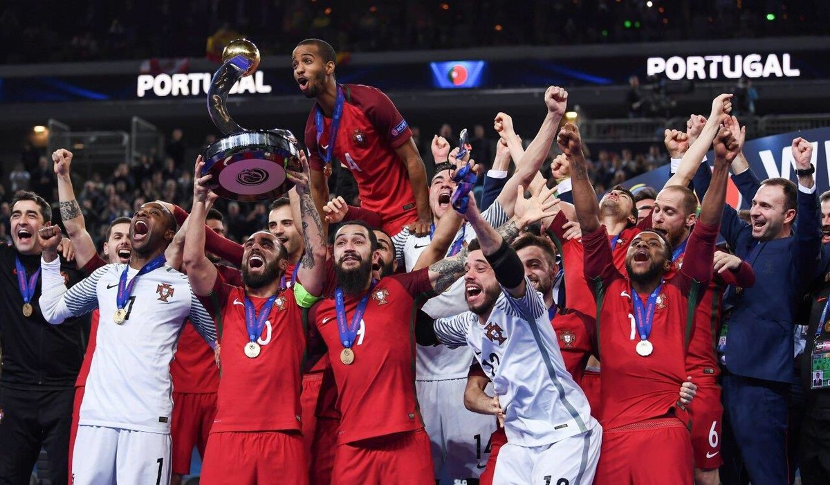 Portugal desbanca a Espanha e conquista o inédito título da Euro Futsal  69b6d3068d378