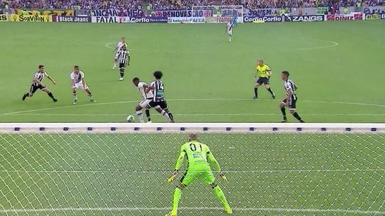 Vasco garante acesso à Série A com dois gols de Thalles no Maracanã