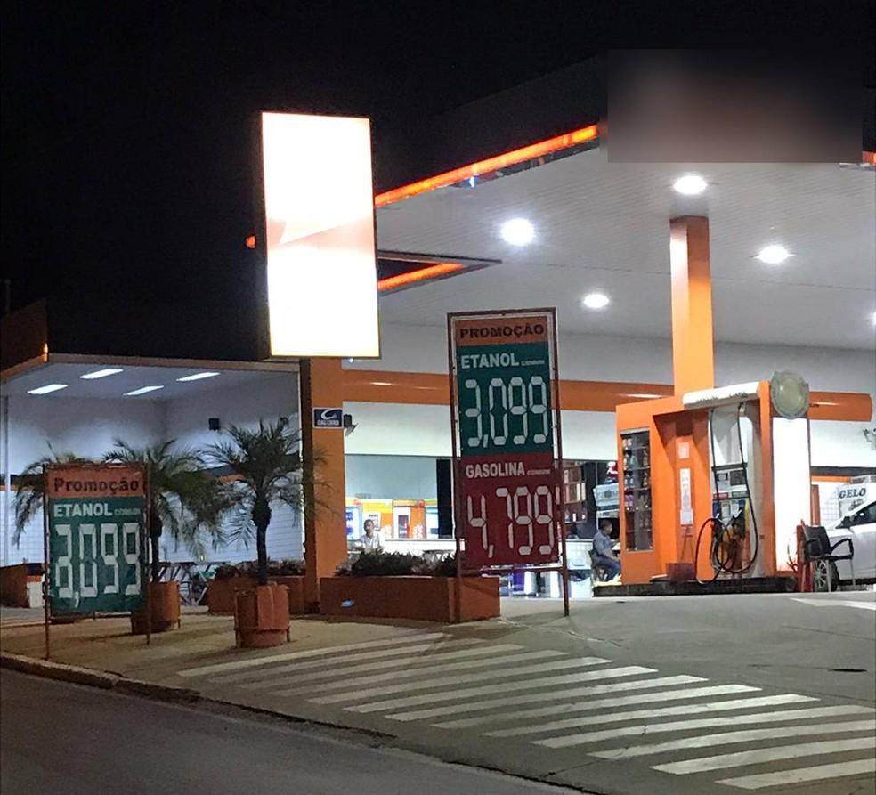Preço do etanol subiu nos postos de Cuiabá e está custando R$ 3,19  — Foto: Yago Oliveira/G1