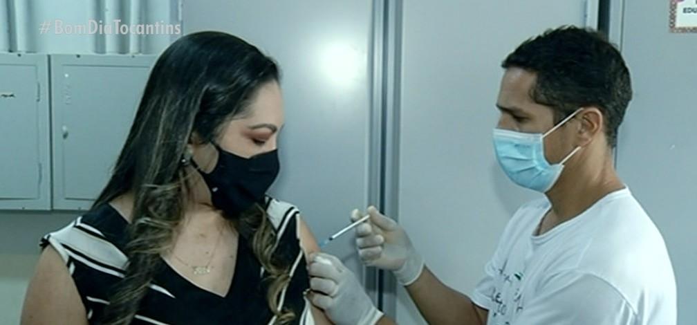 Profissionais da educação com mais de 18 anos são vacinados contra Covid em Gurupi