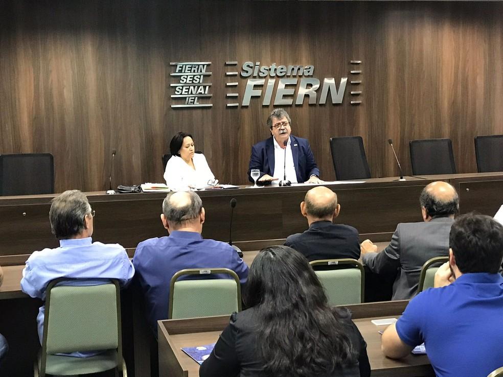 Fátima Bezerra participou nesta segunda-feira (20) do Fórum Caminhos do RN, organizado pela Fiern (Foto: Kleber Teixeira/Inter TV Cabugi)
