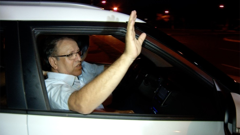 Marcelo Miranda saindo da prisão em Palmas — Foto: ReproduçãoTV Anhanguera