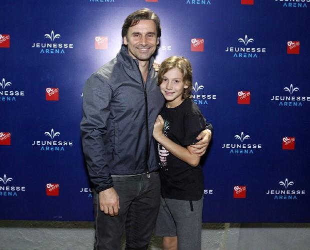 Murilo Rosa e o filho, Lucas (Foto: Thyago Andrade/Brazil News)