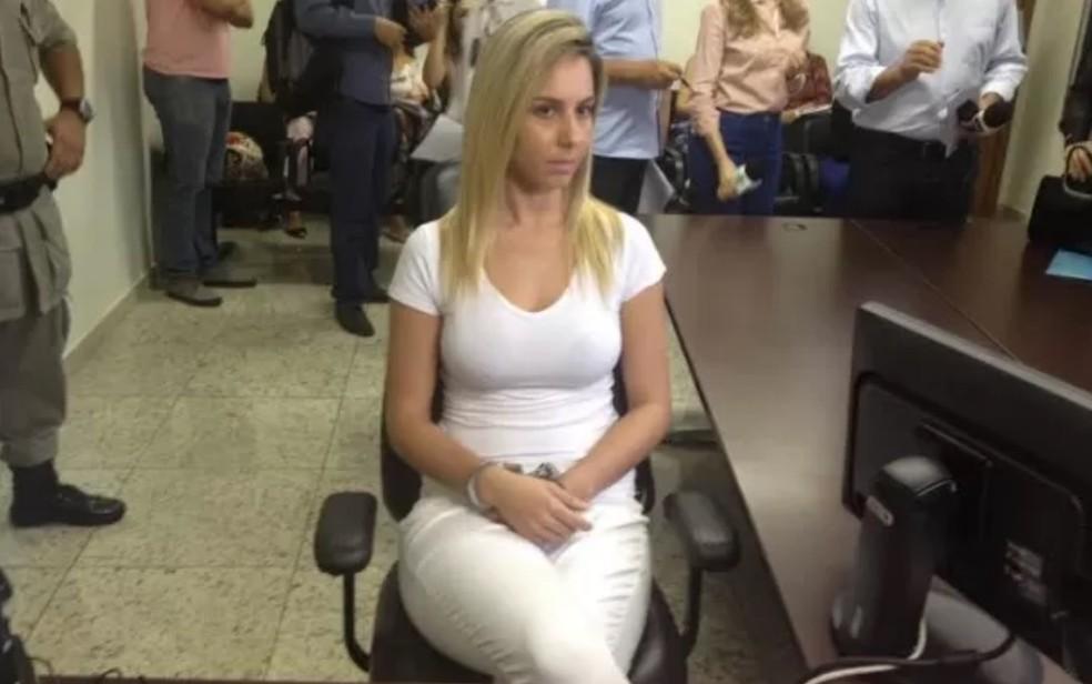 Bruna Cristine foi condenada por aplicar golpes contra dois clientes — Foto: Sílvio Túlio/G1