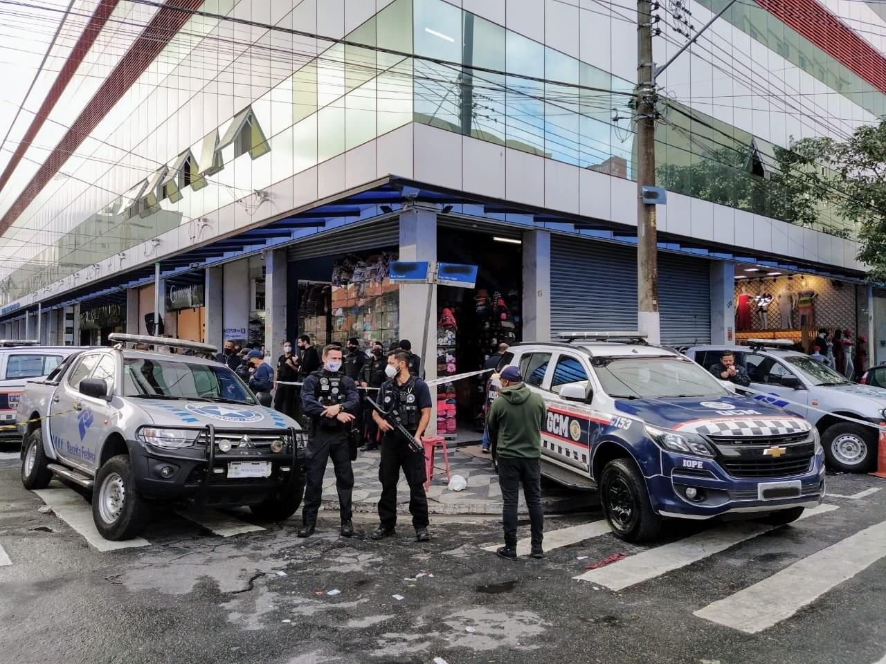Receita Federal faz operação contra venda de produtos falsificados no Centro de SP