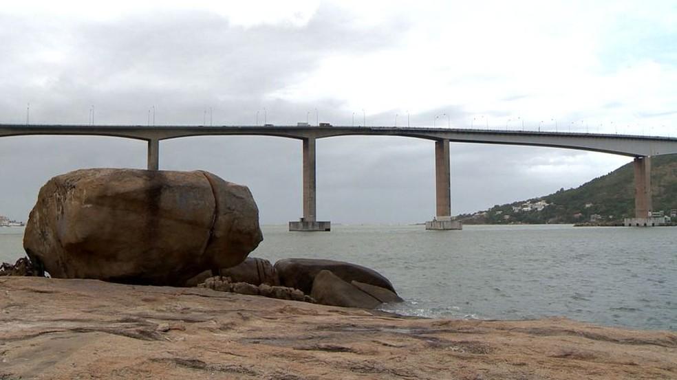 Ventos de até 78 km/h foram registrados na Terceira Ponte — Foto: Reprodução/TV Gazeta