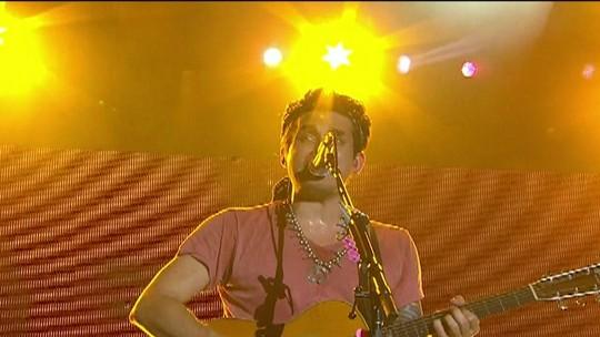 Fãs de John Mayer cantam em coro o sucesso 'Daughters'