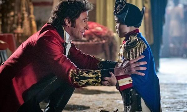 Hugh Jackman e Sam Humphrey em O Rei do Show (2017) (Foto: Divulgação)