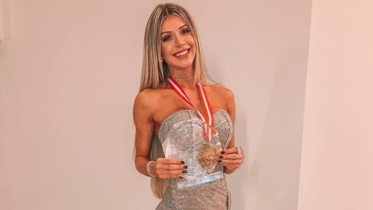Ex-BBB Tatiele Polyana vence competição fitness internacional nas Bahamas