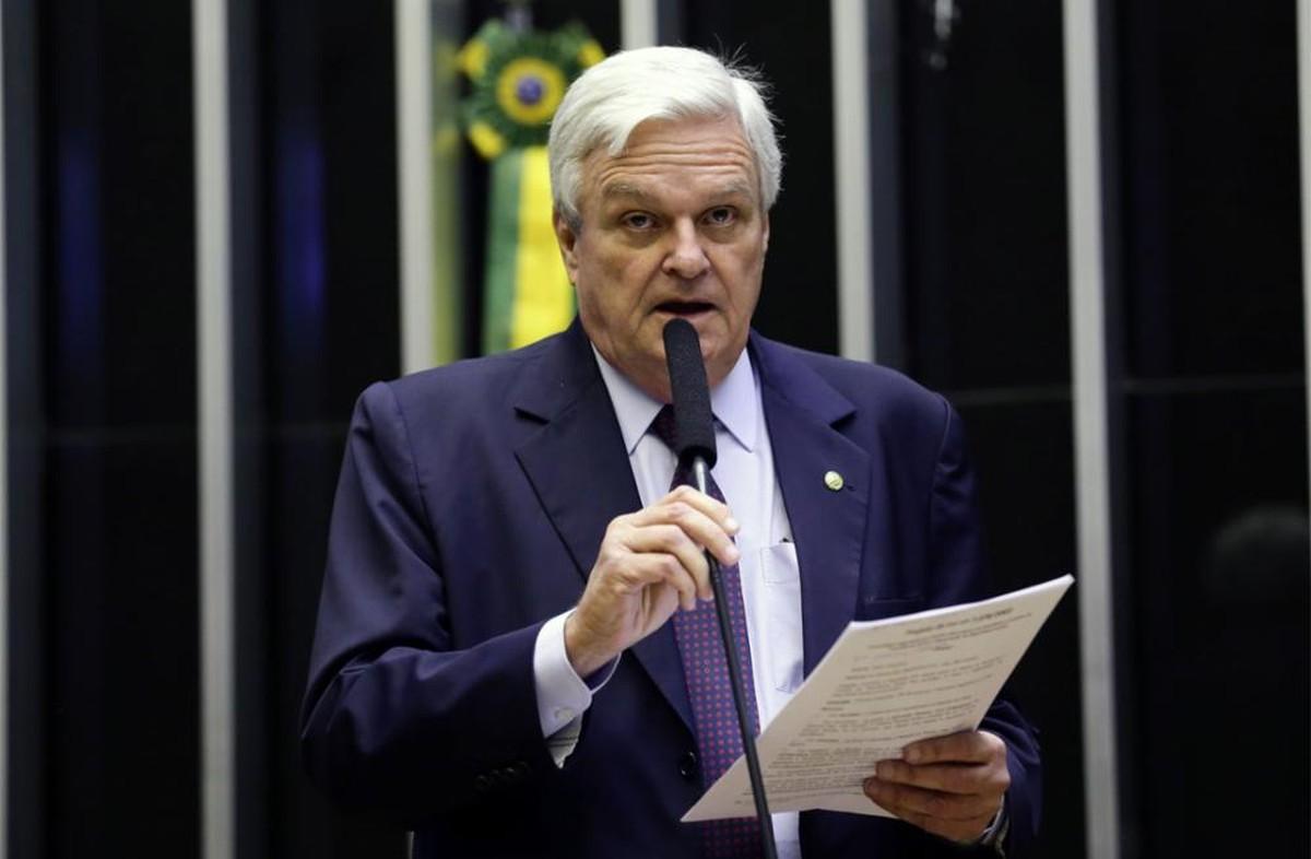 Ex-deputado José Mentor morre de covid-19 aos 71 anos – Valor Econômico