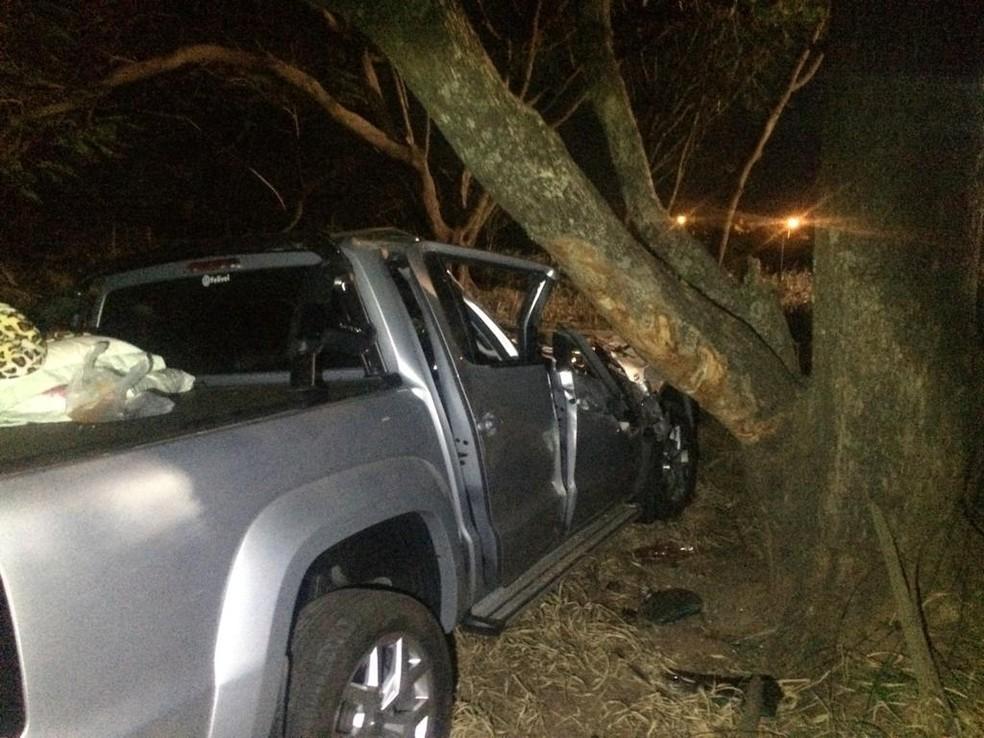 Quatro pessoas moradoras de Jundiaí estava na caminhonete que se acidentou em Quintana — Foto: João Trentini/Divulgação