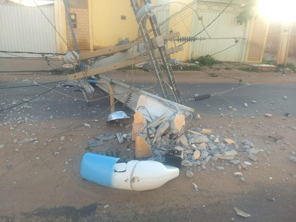 Acidente ocorreu por volta das 5h deste domingo — Foto: Site Gazeta 5