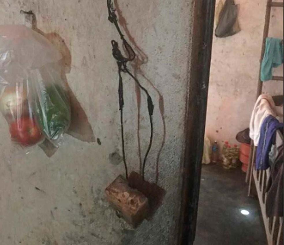 Casebre tinha gambiarras e péssimas condições de moradia, apontaram os auditores fiscais do trabalho na Bahia — Foto: Divulgação/Ministério do Trabalho