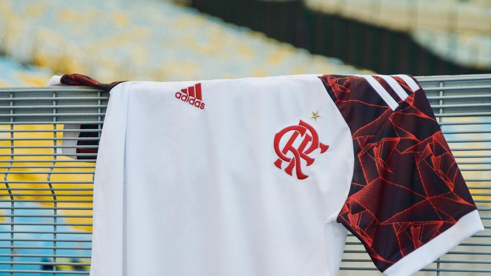 Nova camisa 2 do Flamengo faz homenagem ao título mundial de 1981 — Foto: Divulgação