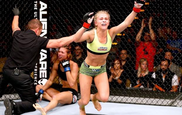 """Paige VanZant vence Kailin Curran no """"duelo de musas"""" do UFC em Austin   combate.com"""