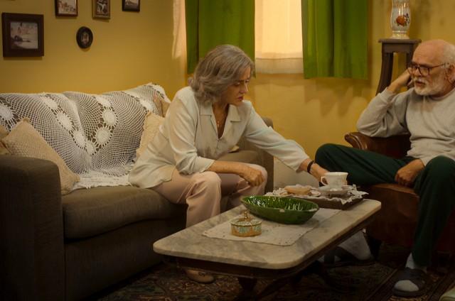 Marieta Severo e Everaldo Pontes em 'Noites de alface' (Foto: Divulgação)