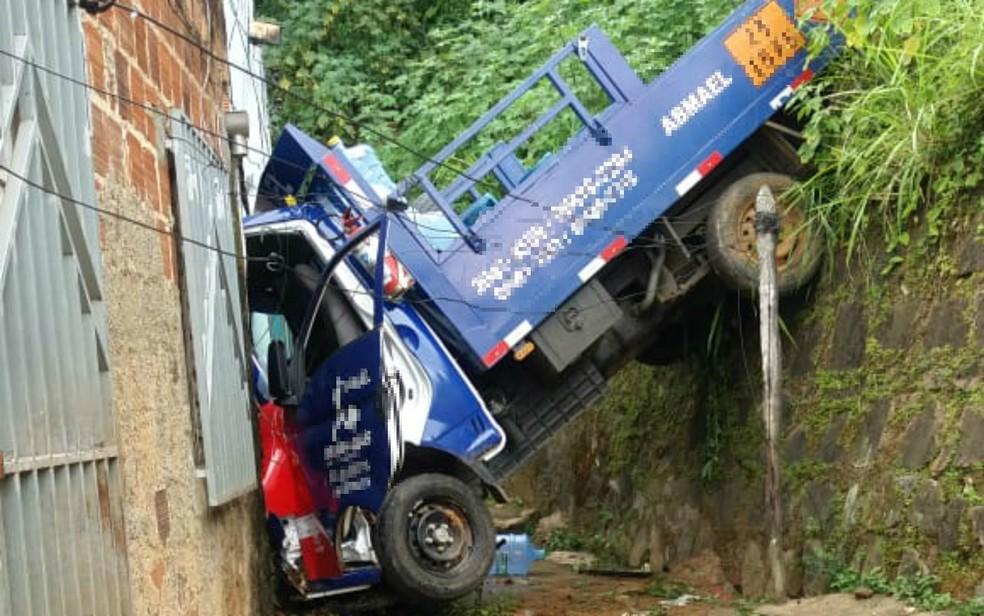 Caminhão que transportava gás invadiu casa em Itabuna — Foto: Arquivo Pessoal
