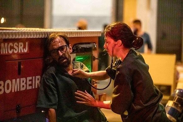 Julio Andrade e Marjorie Estiano em 'Sob pressão' (Foto: João Faissal/Globo)