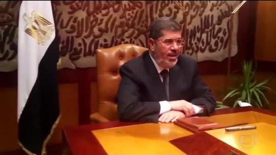 Ex-presidente do Egito morre aos 67 anos durante julgamento