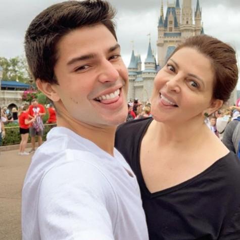 Diego Montez com a mãe, Sonia Lima (Foto: Reprodução)