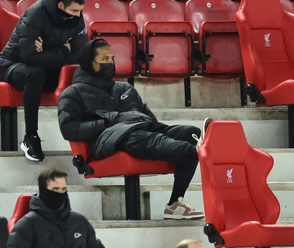 Van Dijk é um dos vários jogadores do Liverpool que se machucaram nesta temporada — Foto: Getty Images
