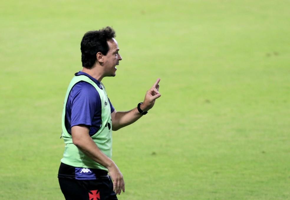 Fernando Diniz, técnico do Vasco — Foto: Ailton Cruz/Gazeta de Alagoas