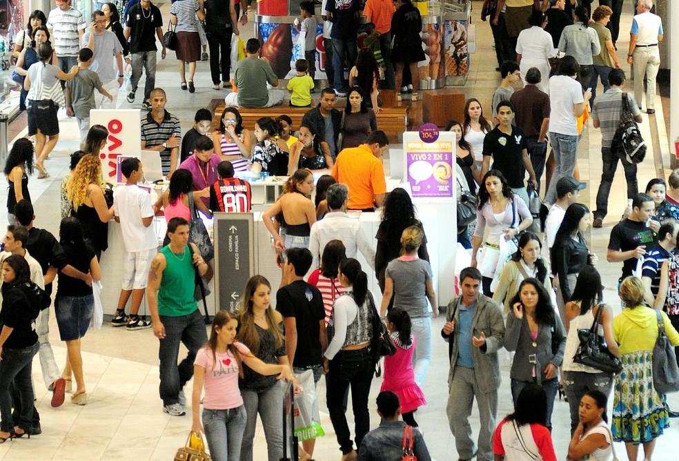 6c239469f ... Shopping em Vitória funcionará em horário normal nesta segunda (22) e  terça-feira